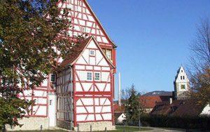 Schlössle mit Martinskirche